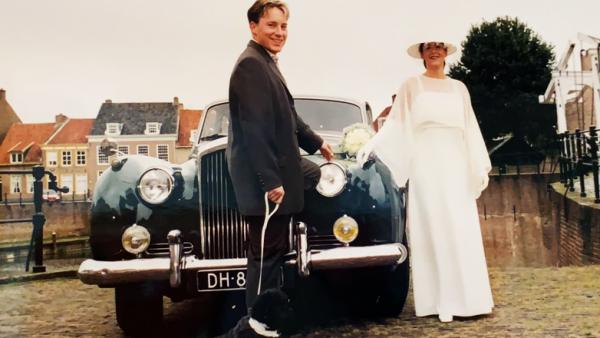 Bruid Johanna: 'De Bentley schoot van de handrem, zo de helling af'