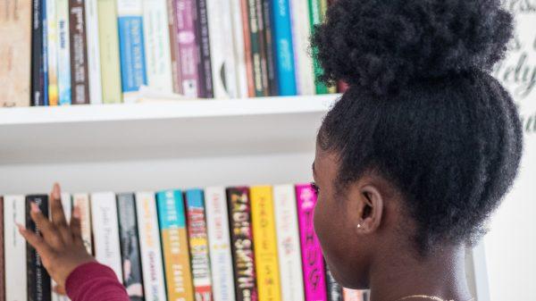 Supermarkt Lelystad helpt primera met verkoop boeken