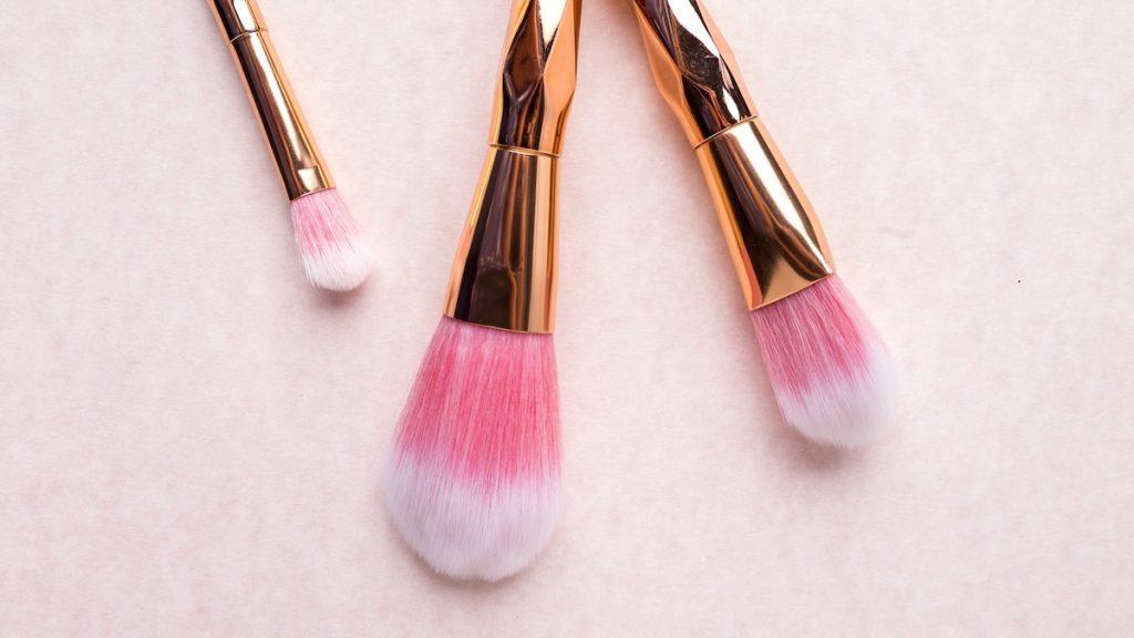 3 x tips om je make-up kwasten écht goed schoon te maken