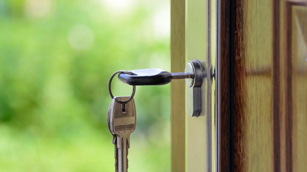 Paniek op de huizenmarkt: amper betaalbare huizen voor woningzoekende