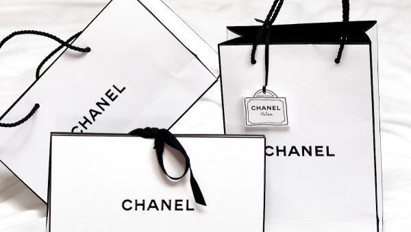 Mooie doos of chique tas: waar komt dat verzamelgedrag verpakkingen vandaan?