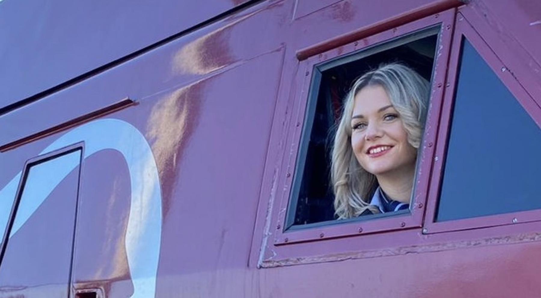 Chloe is de eerste vrouwelijke Thalys-machinist in Nederland: 'Ik begrijp niet waarom ik de enige ben'