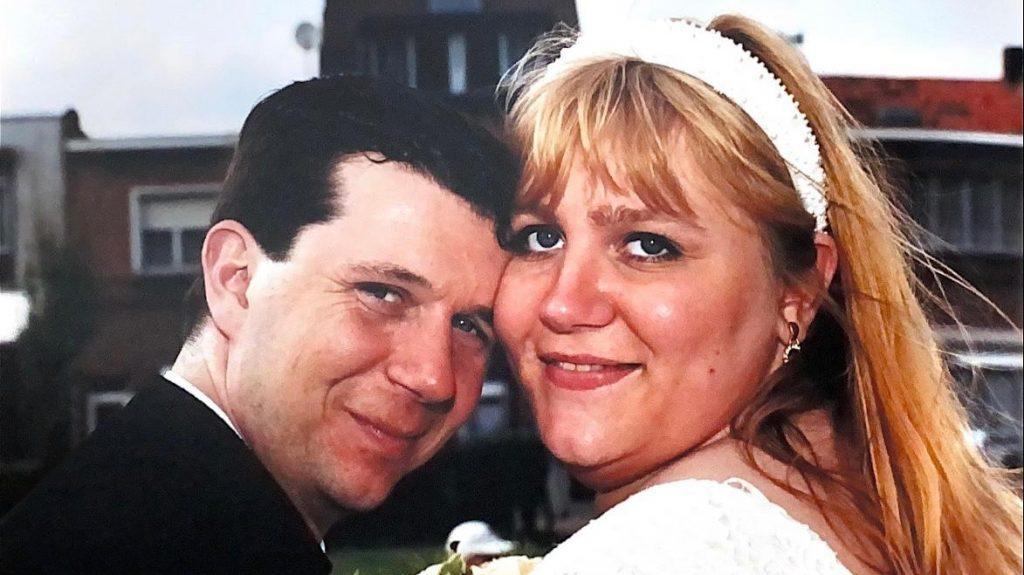 Sandy beviel op haar eigen trouwdag van een niet levensvatbaar kindje