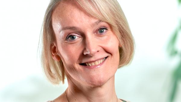 Lisa van Ginneken (D66) eerste transgender in Tweede Kamer: 'Dankjewel kiezers'