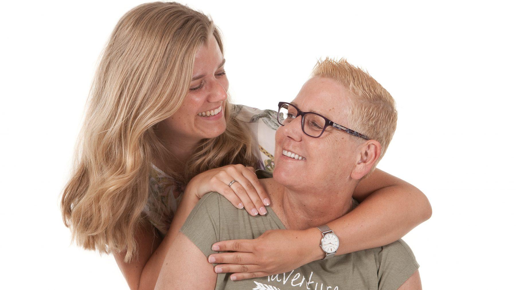 Lies herdenkt haar moeder Els: 'Heb elkaar lief en geniet nu'