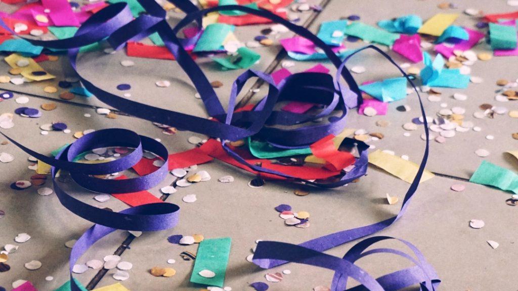 Boete voor ouders die kinderen na ingaan avondklok naar illegaal feest brachten