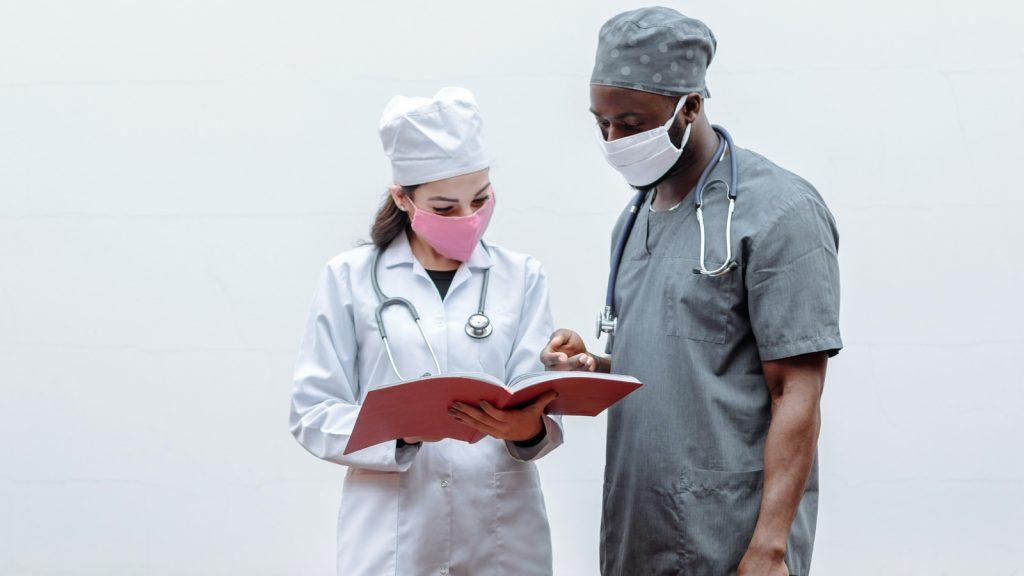 Ziekenhuizen stellen noodgedwongen hart- en kankeroperaties uit