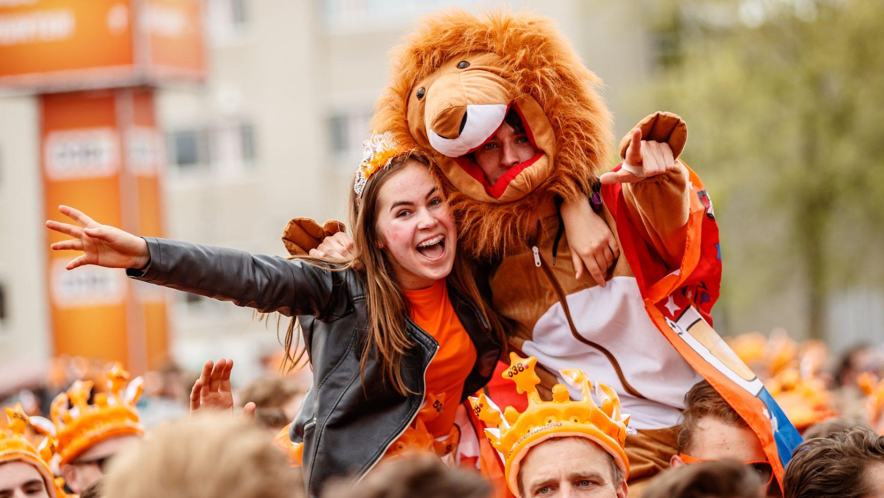 Toe aan een feestje: biedingen van duizenden euro's op kaartjes 538 Oranjefeest