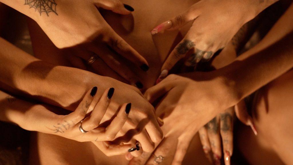 Jonnah Bron Need arthouse intimiteit