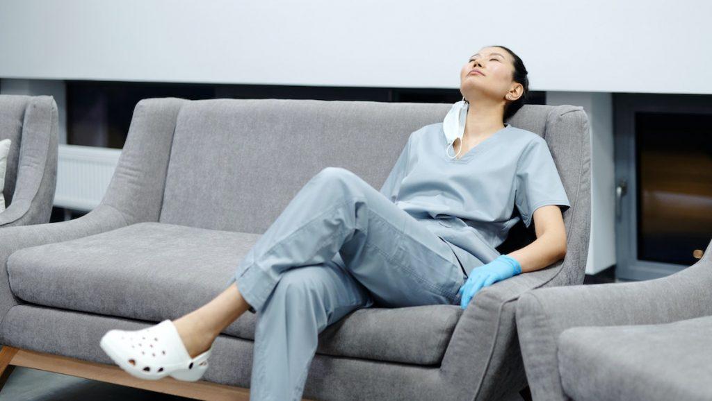Ziekenhuizen vragen Covidpersoneel af te zien van meivakantie