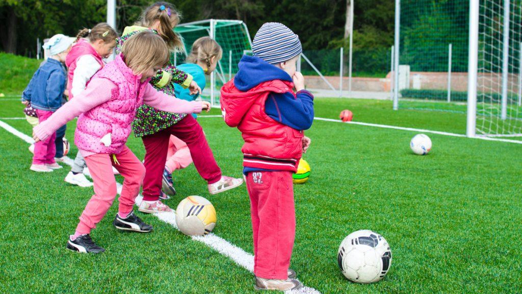 Het lukt de overheid niet om kinderen uit armere gezinnen meer te laten sporten-2