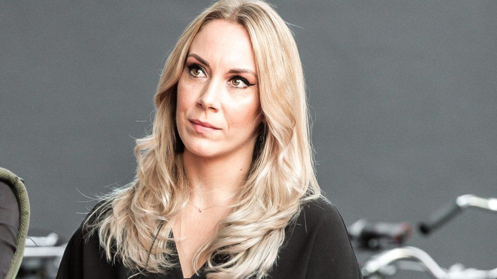 Zangeres Lisa Lois (33) is zwanger_ 'Nu al helemaal verliefd'
