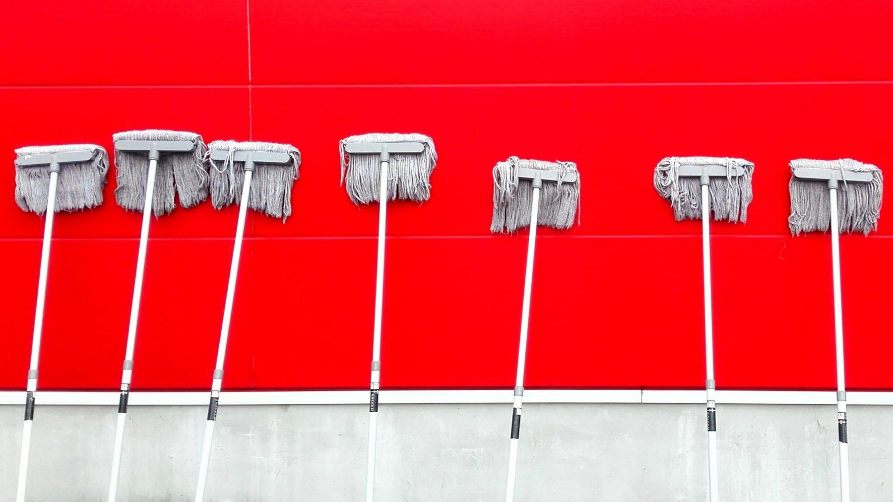 5 x hoekjes die je makkelijk vergeet, maar écht niet wilt missen tijdens de schoonmaak