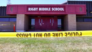 Thumbnail voor Schietpartij bij school in Idaho (VS), tienermeisje als verdachte opgepakt