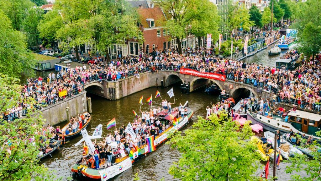 Pride Amsterdam gaat door, geen botenparade