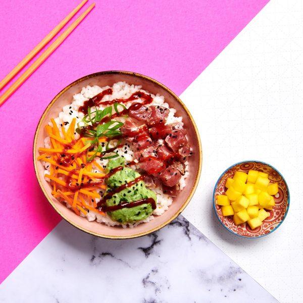 poké bowl met spicy tuna