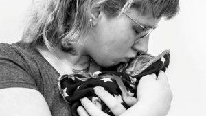 Thumbnail voor Zwangere Nicky kreeg corona en een doodgeboren kindje: 'Mijn gevoel zegt dat ons zoontje hierdoor is overleden'