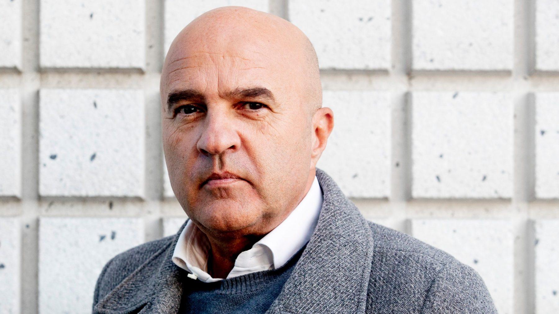John van den Heuvel vindt dat Jeugdzorg 'wel eens eventjes' met Lil' Kleine mag gaan praten