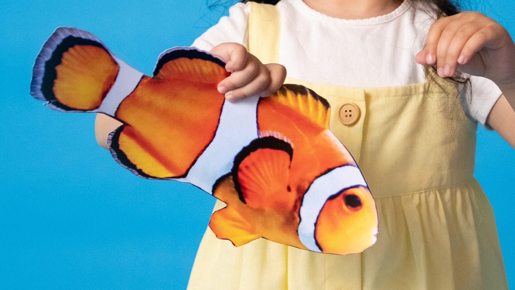Slapeloze nachten? De dancing fish mept je baby (kindvriendelijk) naar dromenland