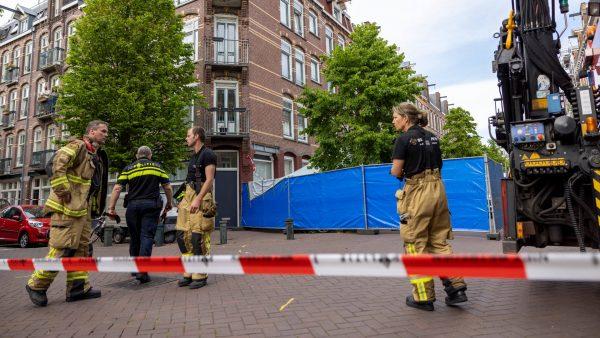 Twee tieners omgekomen na val van dakterras in Amsterdam-West