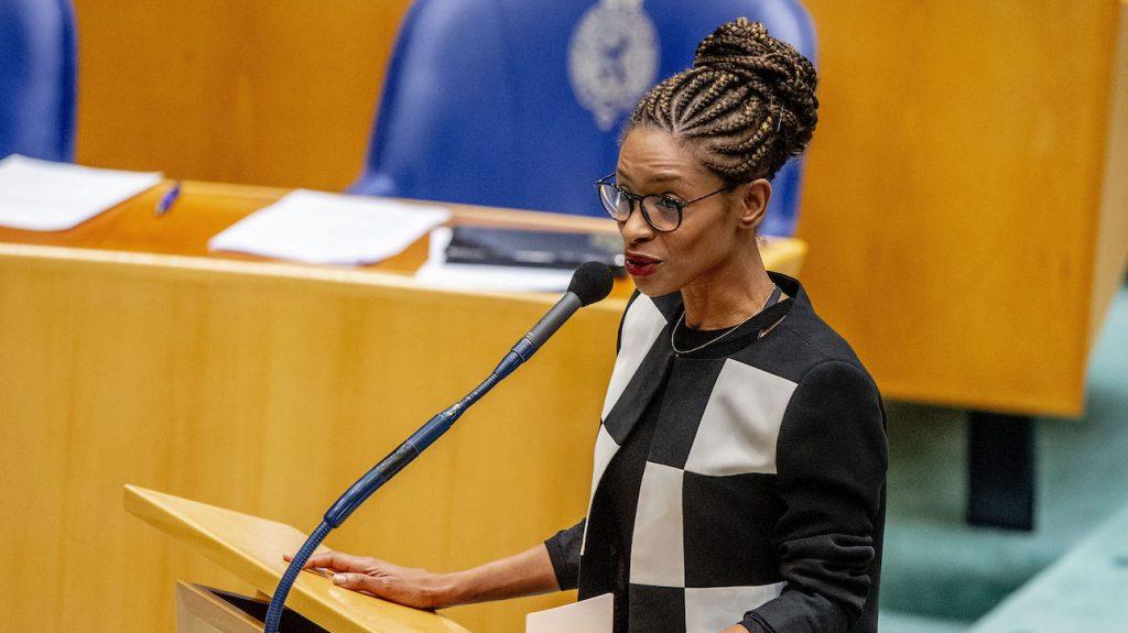 Sylvana Simons zet Kamervoorzitter op haar plek: 'Xenofobie is geen mening'