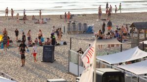 Ruim honderd strandgangers betrokken bij massale vechtpartij in Zandvoort