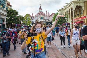 Mickey en Minnie Mouse heten u welkom: Disneyland Parijs weer open