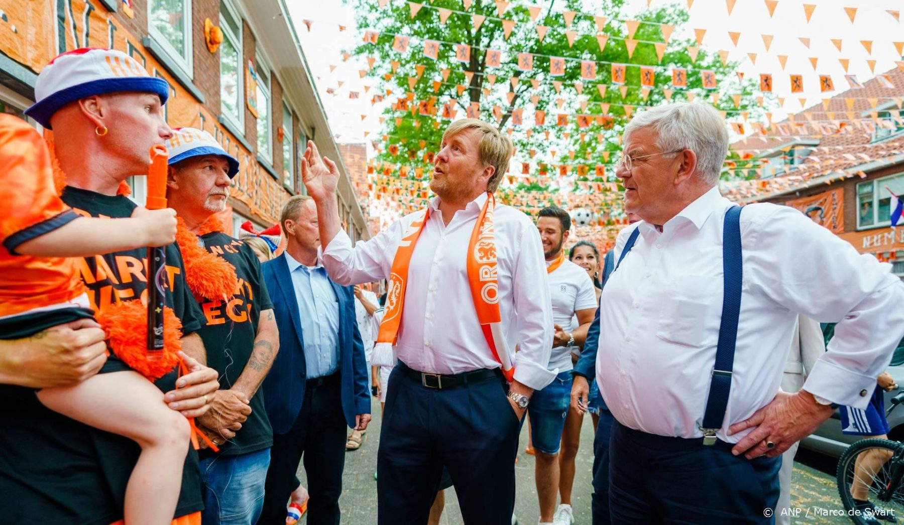 RVD: Koning Willem-Alexander neemt coronaregels in acht op Veteranendag