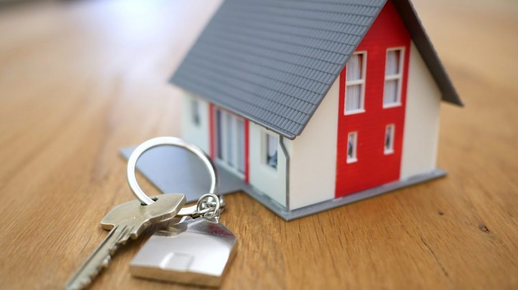 huizenprijzen breken weer een record