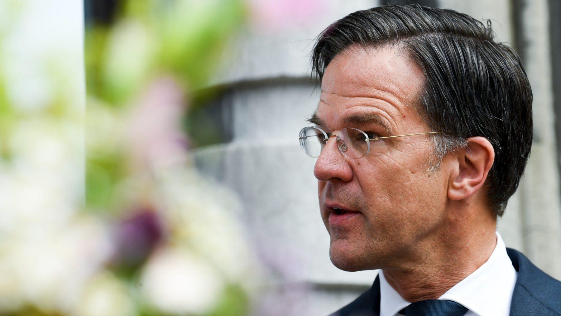 Mark Rutte daagt Hongaarse premier uit procedure te starten om EU te verlaten