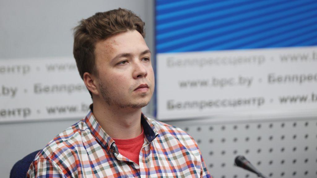 Belarussische journalist en vriendin verlaten cel en moeten in huisarrest