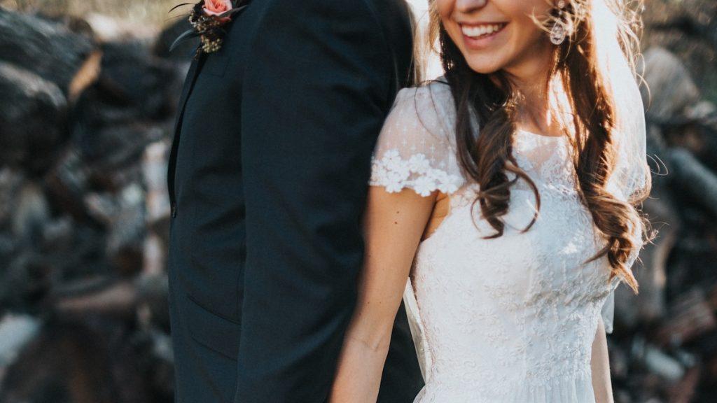 First look 2.0: beste vriend fopt bruidegom bij 'romantisch' fotomoment