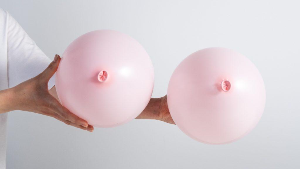 Influencer Olivia Talar: 'Ik hoorde dat je cupmaat van Pfizer tot twee maken kan groeien'