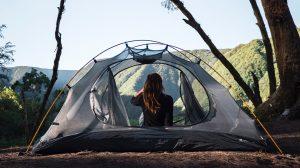 Thumbnail voor Camping-kreunen: 'Op een krakend luchtbed naast m'n schoonouders'