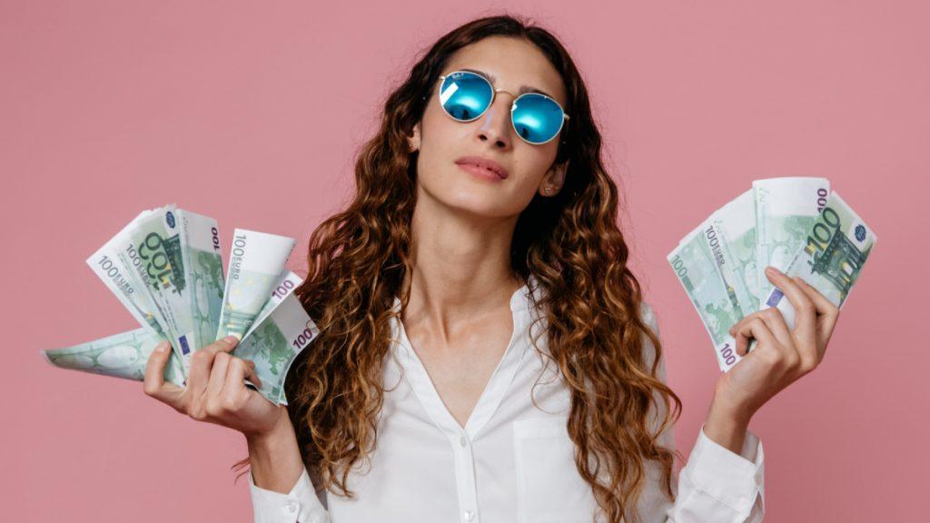 13% van de vrouwen schaamt zich soms voor haar geldsituatie