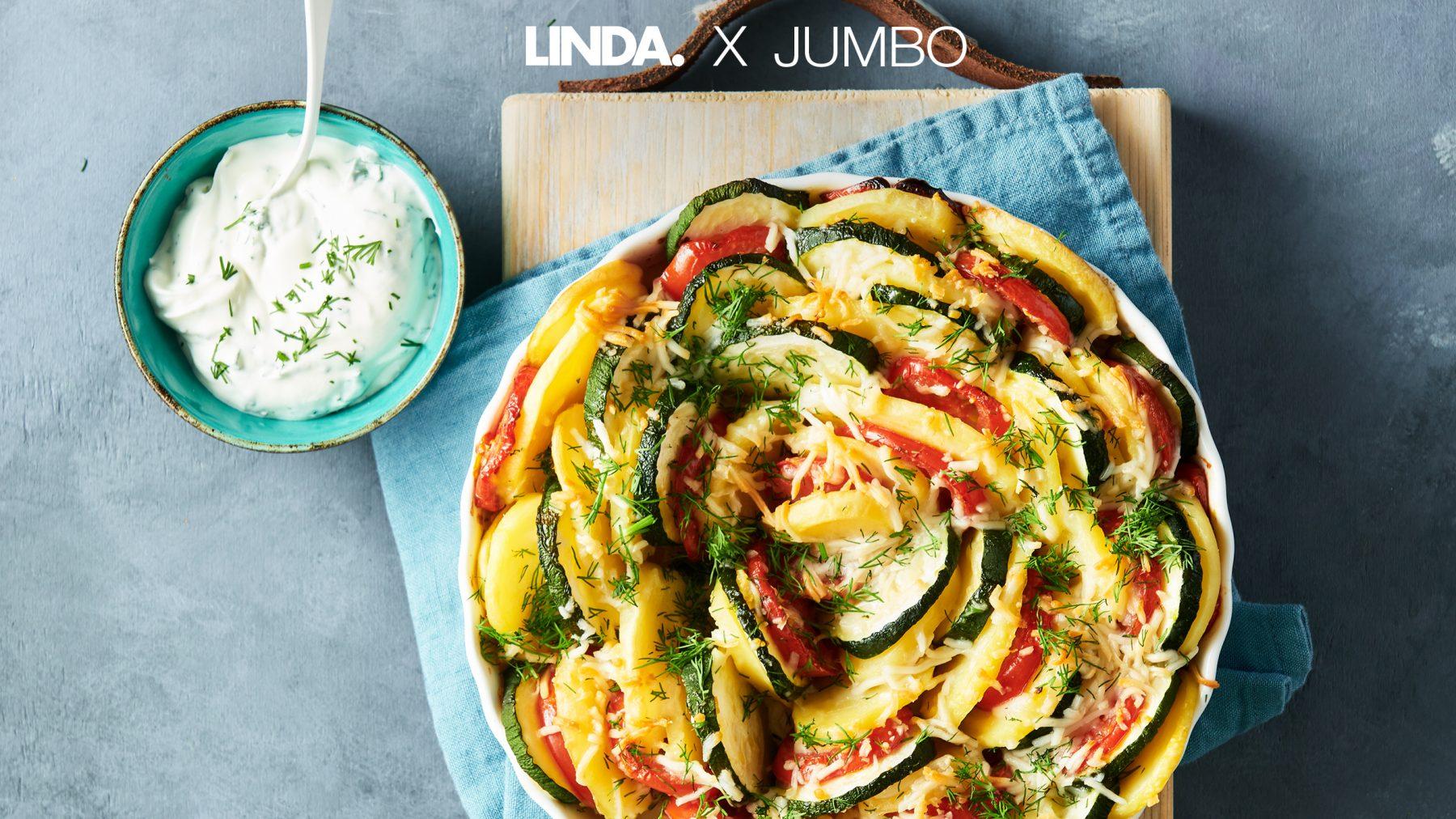 De Provence uit eigen oven: tian (Frans voor kleurrijke ovenschotel) met aardappel en dilleyoghurt