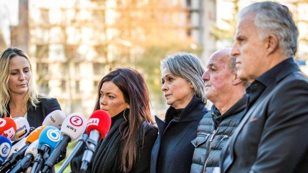 Vlnr advocaat Wendy van Egmond, Femke Verstappen, Berthie Verstappen, Peter Verstappen en Peter R. de Vries na de uitspraak in de zaak tegen Jos B. De Limburger wordt verdacht van het doden, misbruiken en ontvoeren van de 11-jarige Nicky Verstappen in 1998.