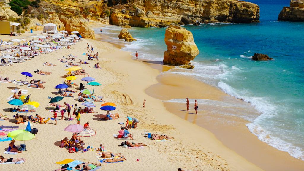 Populaire vakantieregio Algarve in Portugal toch weer op oranj
