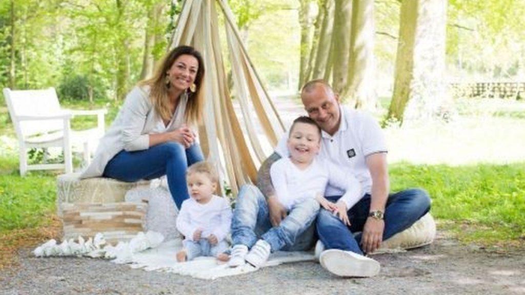 Angela's beide kinderen zijn verstandelijk beperkt: 'Mentaal blijven ze altijd twee jaar'