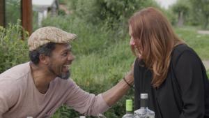 Acteur Mike Libanon verrast vriendin en soulmate Judith: 'Énig idee waarom je hier bent?'