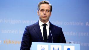 Thumbnail voor Rutte en De Jonge kondigen opnieuw maatregelen aan: 'Niet leuk, wel noodzakelijk'
