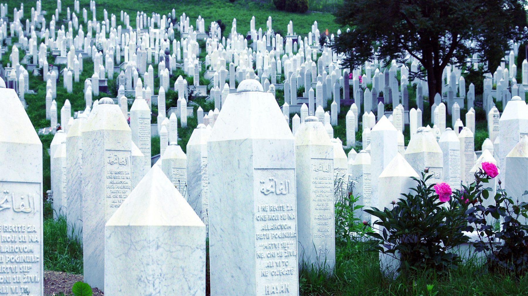 26 jaar na Srebrenica blikt overlevende Alma (40) terug
