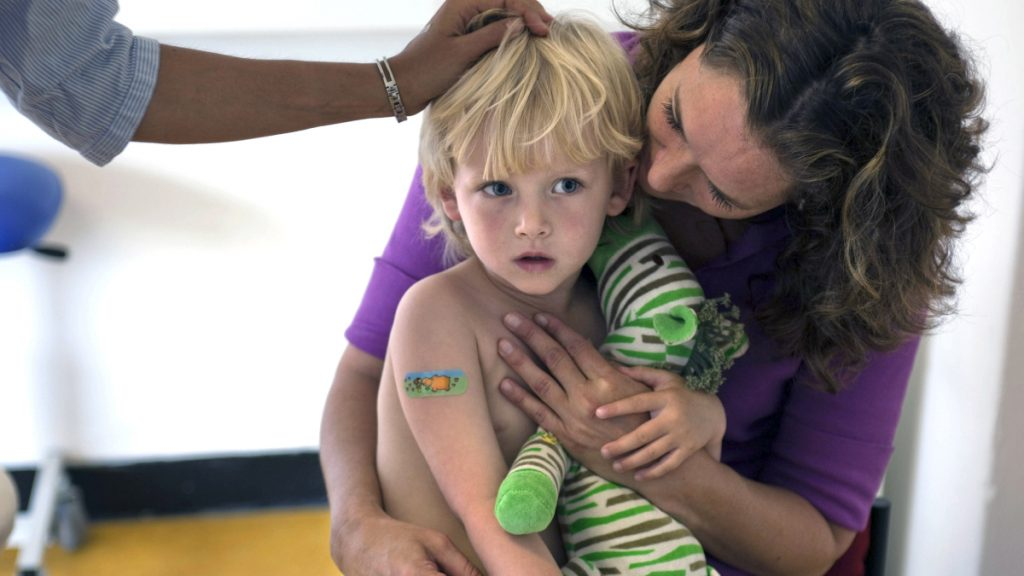 Wat je in eerste minuut na inenting tegen je kind zegt is belangrijk