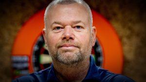 Thumbnail voor Silvia (55) over relatie met Raymond van Barneveld: 'Nóg een jaar met hem was mijn ondergang geworden'