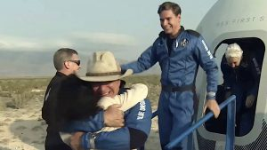 Thumbnail voor Nederlandse Oliver Daemen (18) veilig terug na ruimtevlucht: 'Dat was geweldig'