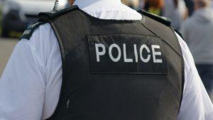 Thumbnail voor Complotdenker Micha Kat opgepakt in Noord-Ierland