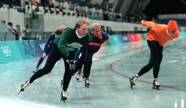 Koning schaatst mee