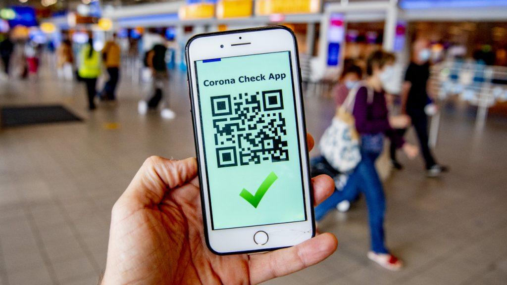 Groen vinkje in CoronaCheck-app blijft als gevaccineerde positief test