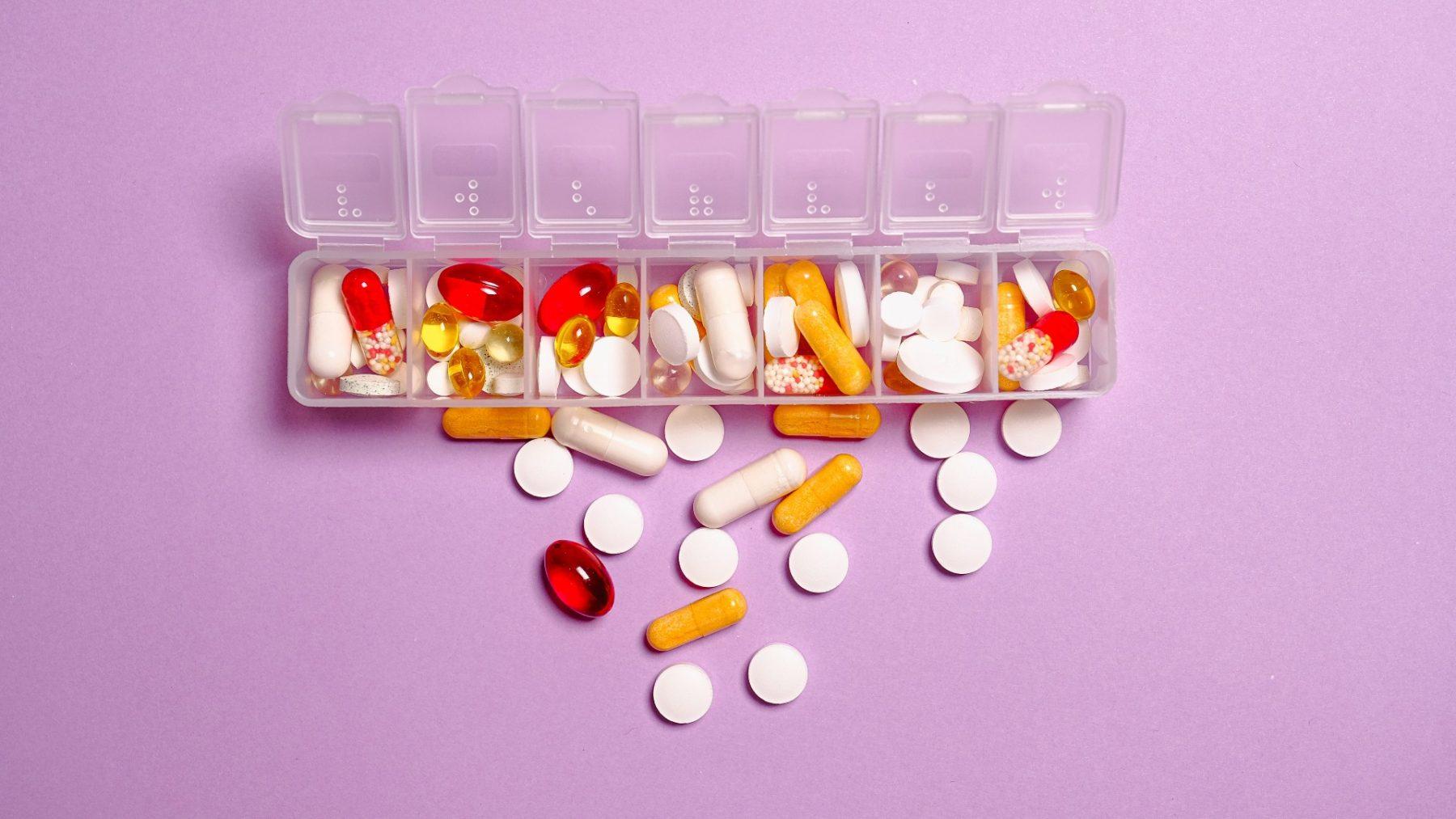 Zorgen om medicijnen die illegaal online te koop zijn: 'Levensgevaarlijk'