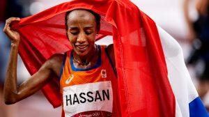 Thumbnail voor Sifan Hassan wint historisch olympisch goud op 5000 meter